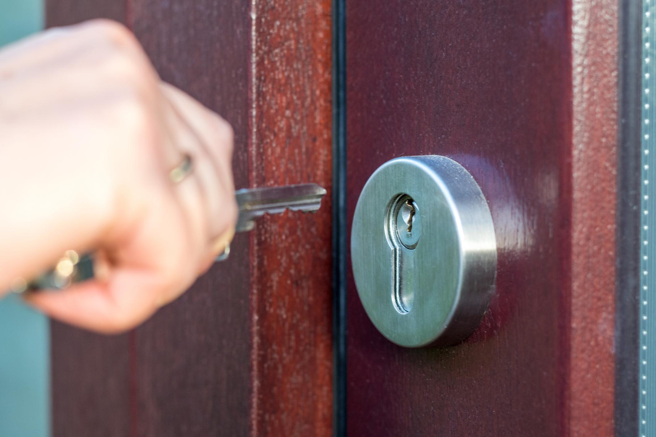Les équipements de portes pour prévenir le cambriolage